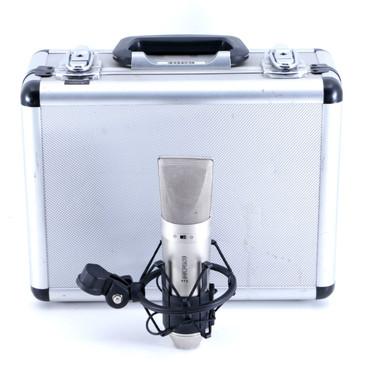Rode NT2 Condenser Omni / Cardioid Microphone MC-2930