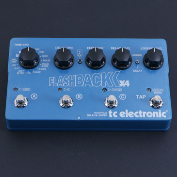 TC Electronic Flashback X4 Delay / Looper Guitar Effects Pedal P-06808