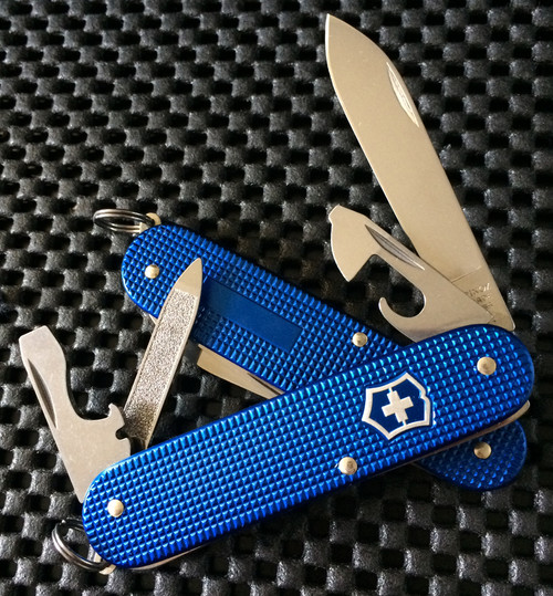 VICTORINOX SWISS ARMY CADET, BLUE ALOX, MODEL NUMBER 0.2601.22R, CUTLERY SHOPPE