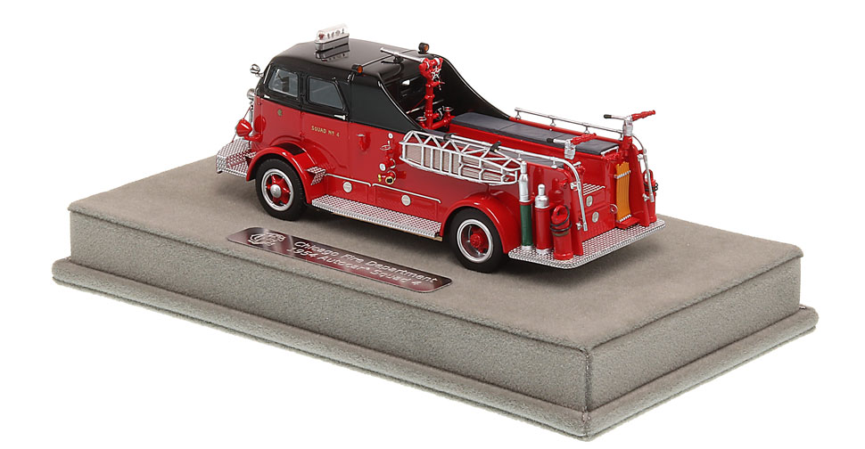 Chicago Fire Department 1954 Autocar Squad 4 includes a fully custom display case.