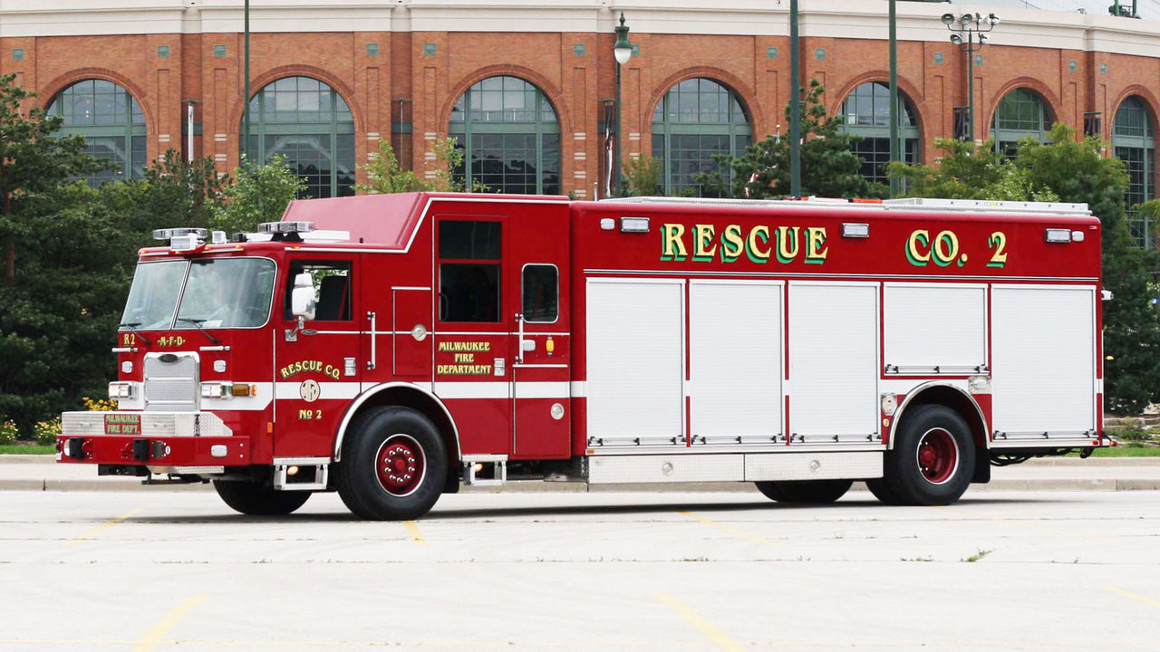 Milwaukee Fire Department Rescue 2 Real Truck