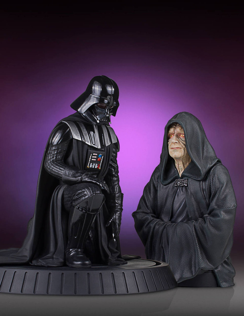 Darth Vader Collectors Gallery Statue Thumbnail 7