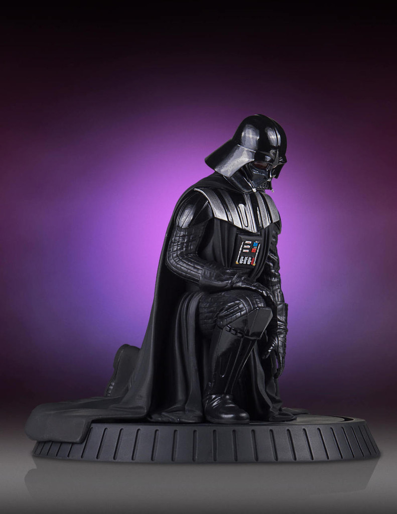 Darth Vader Collectors Gallery Statue Thumbnail 8