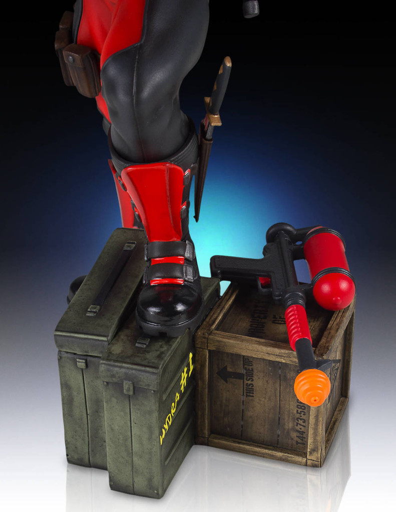 Deadpool Collectors Gallery Statue Thumbnail 2