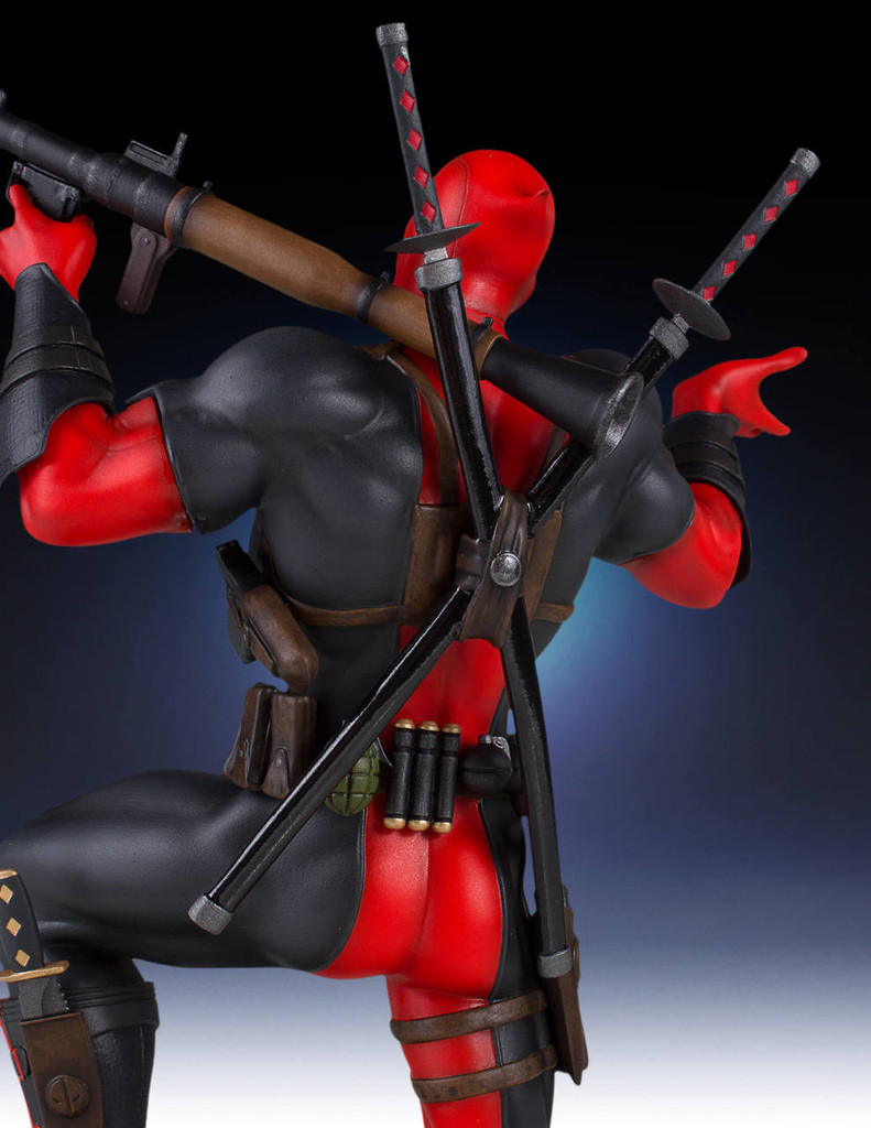 Deadpool Collectors Gallery Statue Thumbnail 4