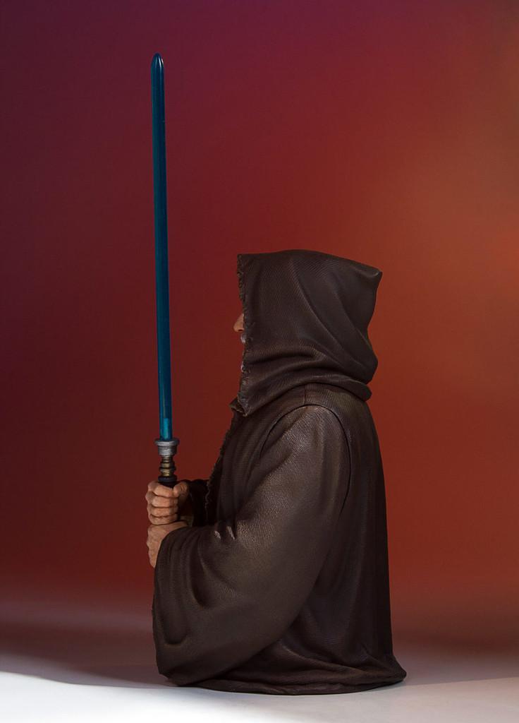 Obi Wan Kenobi (Alec Guinness) Mini Bust - 2017 PGM Gift Thumbnail 3