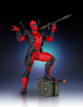 Deadpool Collectors Gallery Statue Thumbnail 3