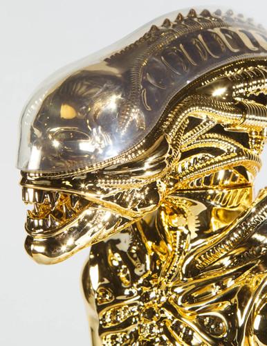 Kenner-Inspired Jumbo Alien Gold 35Th Anniversary Edition Thumbnail