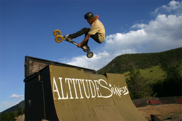 freestyle-mountainboard-riding.png
