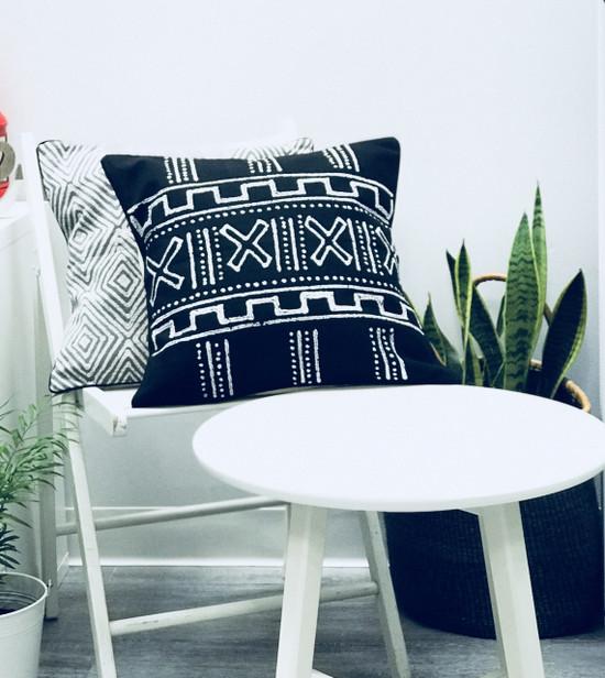 Throw/Sofa Pillows | Black | Mudcloth Style