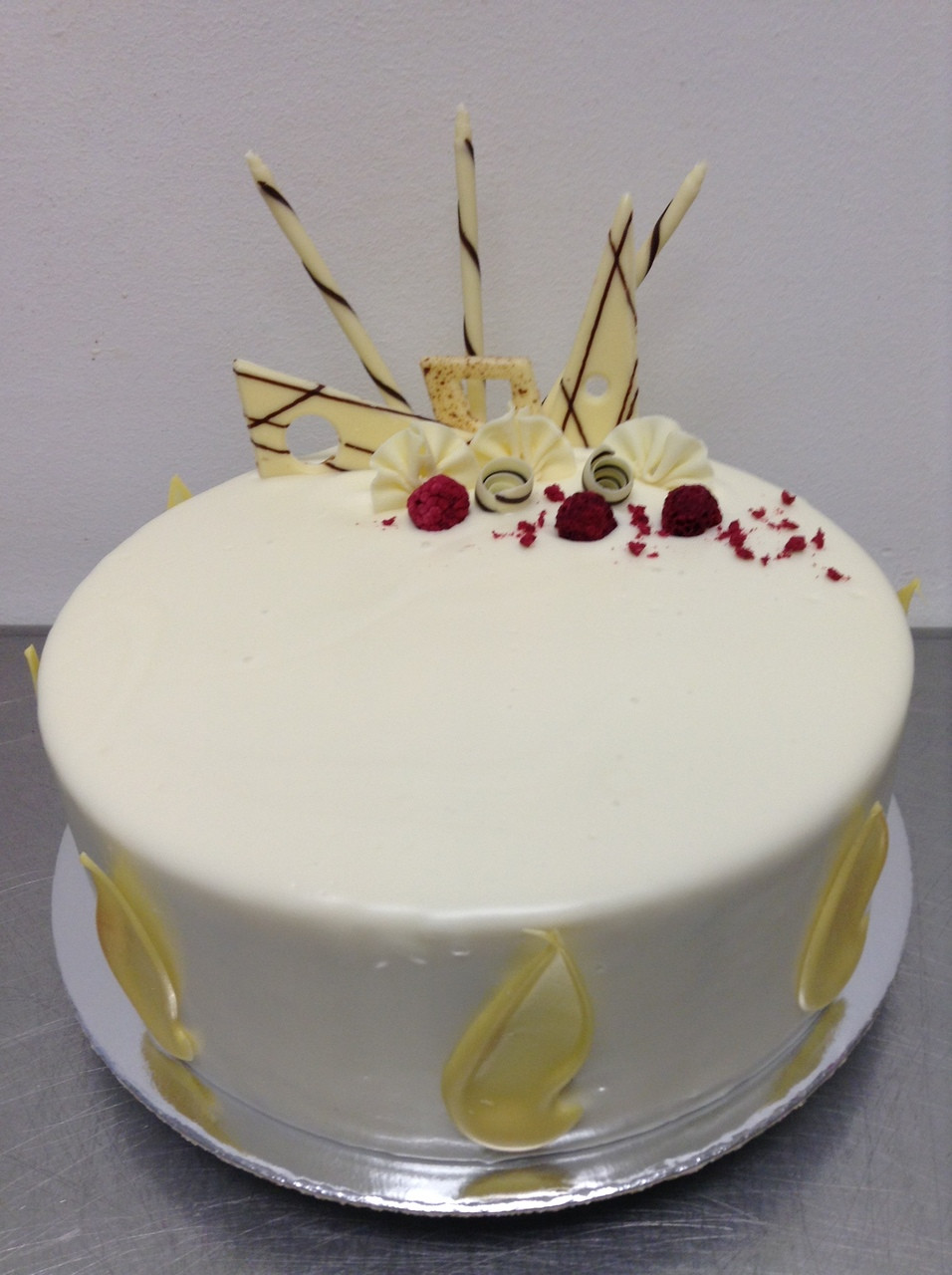 white chocolate mud wedding cake recipe white chocolate and raspberry mud cake the 27259