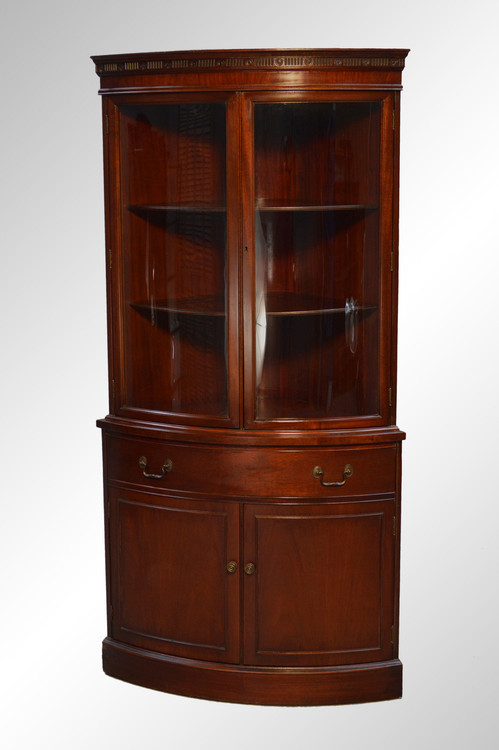 ... SOLD Antique Mahogany Duncan Phyfe Curved Glass Corner China Cabinet.  Image 1 - SOLD Antique Mahogany Duncan Phyfe Curved Glass Corner China Cabinet