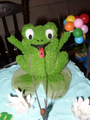 Picture of Elvera Pigg's Frogg Cake