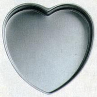 "Heart-Shaped Light Aluminum Pan - 14"" X 2"" Deep"
