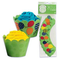 Balloon Cupcake Wrappers with Reversible Design