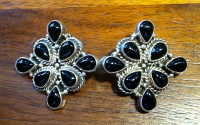 EARRINGS NAVAJO SILVER DIAMOND SHAPED CLUSTER ONYX CLIP