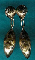 EARRINGS NAVAJO 14 KT GOLD DANGLE FOOTBALL BEAD