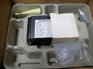New Honeywell Udc2000 Mini Pro With Manual Dc200e 1 00a