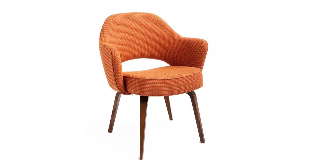 Chair saarinen executive chair - Chair Offers Foam Cushion For Long Term Comfort