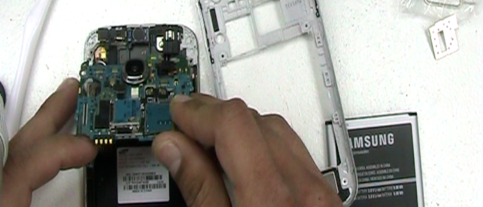water-damage-galaxy-s4-repair-15.png