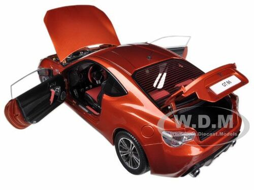2013 TOYOTA GT 86 LEFT HAND DRIVE ORANGE METALLIC 1//18 BY CENTURY DRAGON 1002 C
