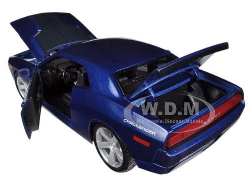 2006 DODGE CHALLENGER CONCEPT BLUE 1:18 DIECAST MODEL CAR BY MAISTO 36138