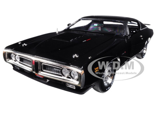 1971 Dodge Charger R/T TX9 Black on Black Hardtop with Sunroof MCACN Limited Edition to 1002pc 1/18 Diecast Model Car Autoworld AMM1107
