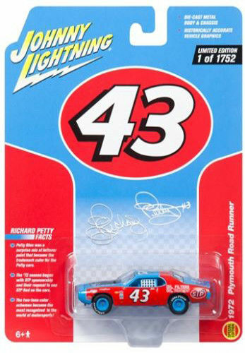1972 Plymouth Road Runner #43 Richard Petty Classic Gold Limited Special Edition to 1752pc Worldwide 1/64 Diecast Model Car Johnny Lightning JLSP001