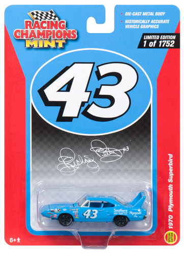 1970 Plymouth Superbird #43 Richard Petty Mint Limited Edition to 1752pc Worldwide 1/64 Diecast Model Car Racing Champions RCSP001