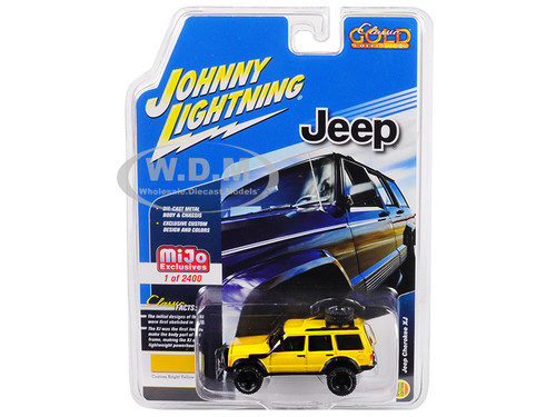 Jeep Cherokee XJ Bright Yellow Limited Edition to 2400 pieces Worldwide 1/64 Diecast Model Car Johnny Lightning JLCP7046