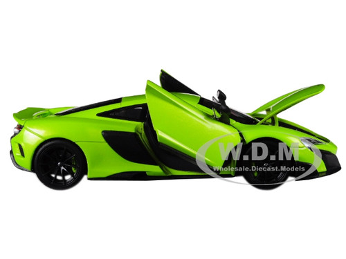 MCLAREN 675LT COUPE GREEN 1//24-1//27 DIECAST MODEL CAR BY WELLY 24089