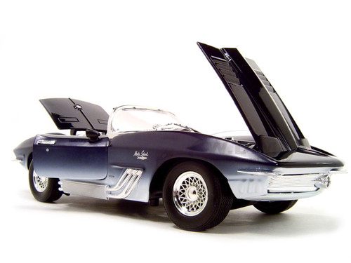 1961 Chevrolet Corvette Mako Shark 1 18 Diecast Model Car