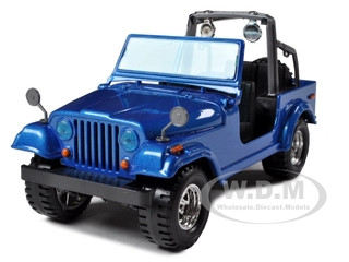 Jeep Wrangler Blue 1/24 Diecast Model Car Bburago 22033