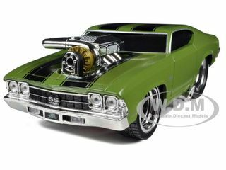 """1969 Chevrolet Chevelle SS Green """"Muscle Machines"""" 1/24 Diecast Model Car Maisto 32238"""