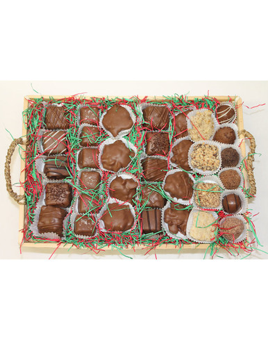 Grand Deluxe Candy Basket (34 oz.)