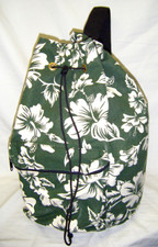 Hawaiian Pareau print sling bag Green & white