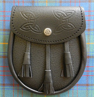 Sporran with Knot Snap and Embossed Leather