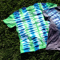 Men's Organic Cotton Tie Dye T-Shirt - Thin Vertical Stripes