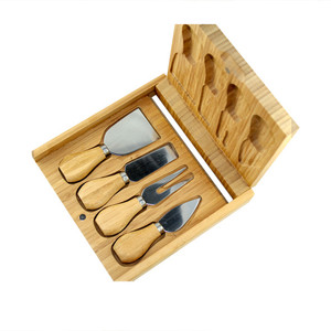 Purdue Bamboo Cheeseboard & Knife Set