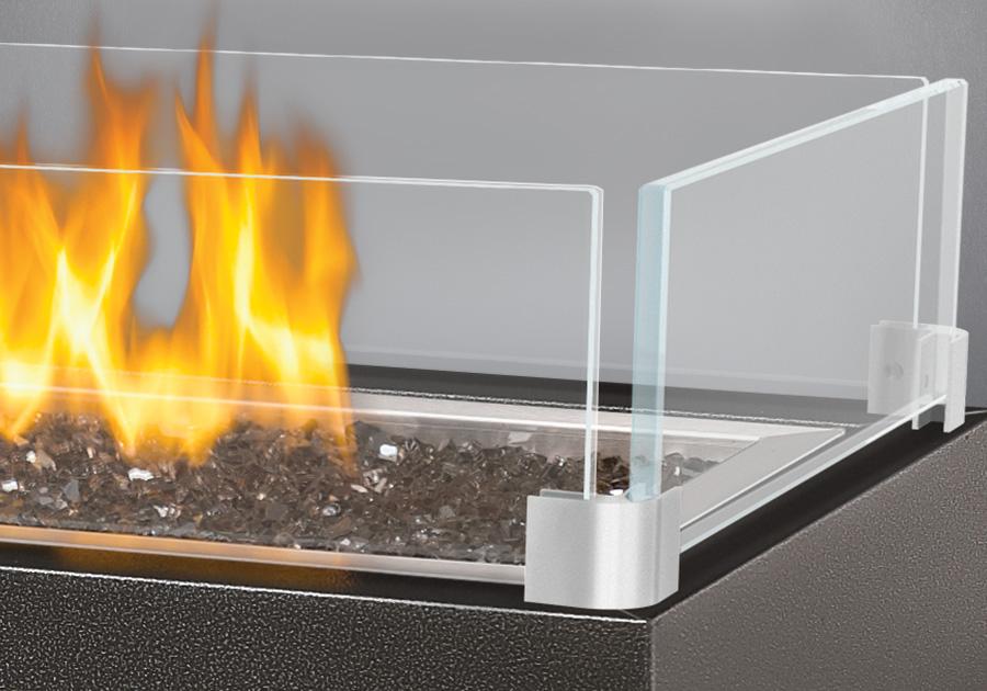 900x630-patioflame-wind-screen-napoleon-fireplaces.jpg