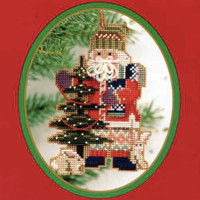 Pine Tree Santa Beaded Ornament Kit Mill Hill 1999 Northwoods Santas