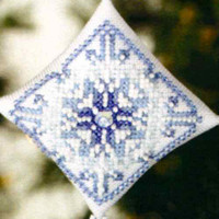Snowflake Tiny Treasured Diamond Beaded Ornament Kit Mill Hill 2008