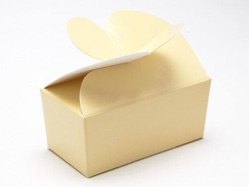2 Choc Cream Butterfly Ballotin | Meridian Speciality Packaging