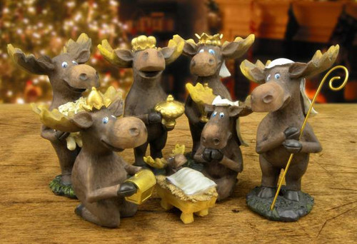 Moose 7 Piece Nativity Set