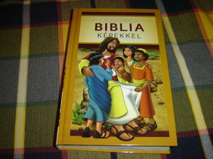 Hungarian Bible with 42 Colorful Pictures - New Easy to Read Translation / A Biblia Egyszeru Forditasa 42 Szines keppel
