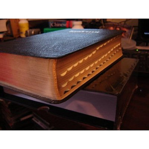 High Quality Large Size Russian Study Bible 070DC 2004 Series / Black Leather