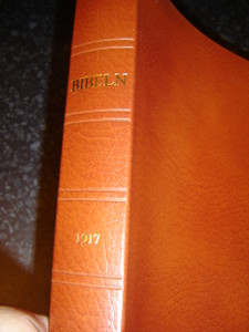 Swedish Bible, 1917 Text Edition / Bibeln eller Den Heliga Skrift / Brown Leather with Golden Edges, Ribbon Markers 1991