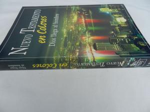 Nuevo Testamento en Colores: Dios Llega al Hombre / Spanish Language New Testament in Colors: God Comes to Man / Printed in 1990 Singapore