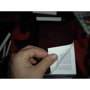 Hungarian Bible that can fit in your pocket SMALL / Magyar Diák Zseb Biblia