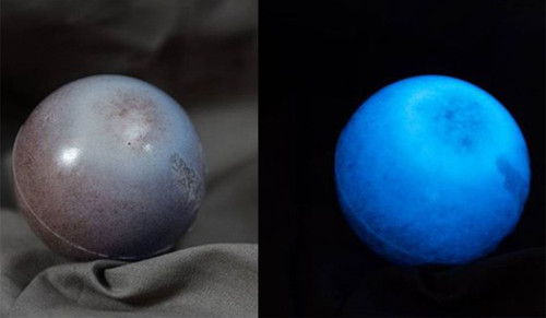 Experiment Video: Make Glow in the Dark Balls from Wood Chips, Resin & Glow Powder